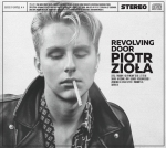 08.Piotr Ziola - Revolving Door - okladka